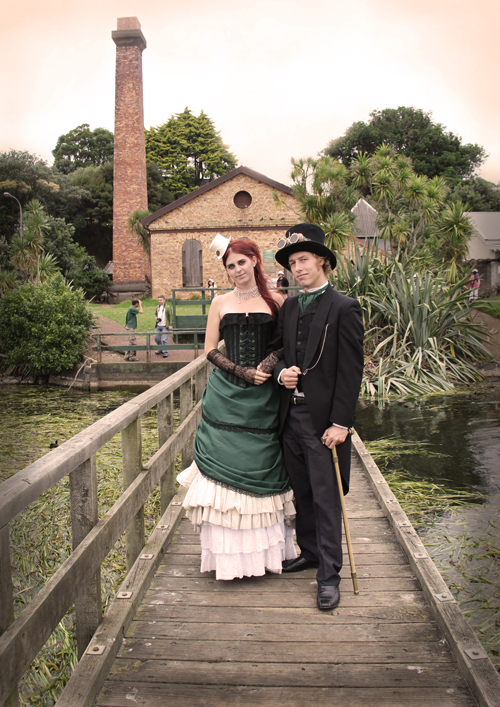 steampunk-wedding-shoot-pumphouse