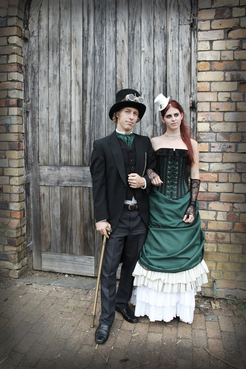 steampunk-wedding-bridal-portrait