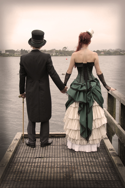 steampunk-wedding-bride-groom-bustle