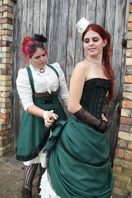 steampunk-wedding-bridesmaid