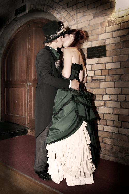 steampunk-wedding-ceremony3