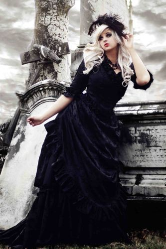 gothic-victorian-wedding-dress