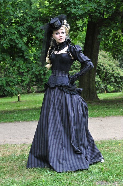 gothic-wedding-dress-stripes